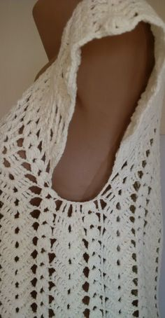You are in the right place about crochet stitches Here we offer you the most beautiful pictures about the crochet blanket patterns you are looking. Blouse Au Crochet, Débardeurs Au Crochet, Crochet Cardigan, Crochet Crafts, Hand Crochet, Crochet Stitches, Diy Crafts, Crochet Vest Pattern, Crochet Blanket Patterns