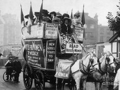 Stock Photo - LONDON: SUFFRAGETTES, /nAdvertising the new issue of the suffragette weekly Votes for Women by omnibus through the streets of London in 1909 Vintage London, Old London, Old Photos, Vintage Photos, Deeds Not Words, Suffrage Movement, London History, Uk History, London Museums