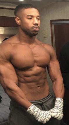 Michael B. Jordan is bae😍 Gorgeous Black Men, Just Beautiful Men, Handsome Black Men, Michael B Jordan Shirtless, Michael Bakari Jordan, Hot Black Guys, Cute Black Boys, Hommes Sexy, Muscular Men