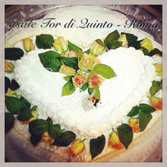 Wedding cake by Casale Tor di Quinto - Roma #weddingcake #casaletordiquinto #location4wedding #weddinginrome #weddinglocation #banqueting