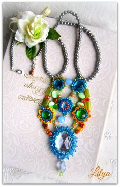 Lilya Necklace ... from dwear.rooms