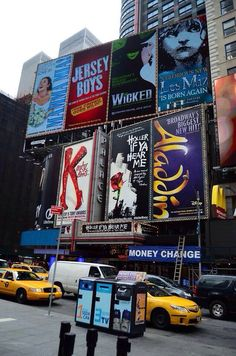 Broadway, New York City Teatro Musical, Musical Theatre Broadway, Broadway Shows, Musicals Broadway, New York Broadway, Broadway Tickets, Broadway Posters, Theatre Nerds, New York Travel