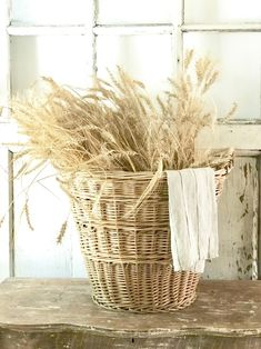Early Fall at the Farmhouse — Little Farmstead Autumn Decorating, Interior Decorating, Cottage Decorating, Decorating Ideas, Decor Ideas, Country Decor, Farmhouse Decor, Country Farmhouse, Country Living