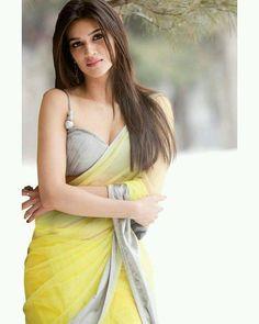 Indian Desi beauties Indian beautiful girl – Indian Desi Beauty – Indian Beautiful Girls and Ladies Beautiful Girl Indian, Most Beautiful Indian Actress, Beautiful Saree, Indian Celebrities, Bollywood Celebrities, Beautiful Bollywood Actress, Beautiful Actresses, Bollywood Saree, Bollywood Fashion