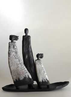 boat people in raku Modern Art Sculpture, Human Sculpture, Sculptures Céramiques, Sculpture Clay, Abstract Sculpture, Ceramic Sculptures, Raku Pottery, Pottery Sculpture, Thrown Pottery