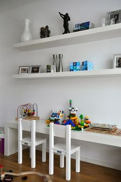 Speelhoek voor de kinderen in de woonkamer