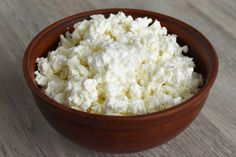 The intake of cottage cheese can certainly lead to weight loss, largely related to its high protein content while remaining low in calories. Choosing low-fat or fat-free cottage cheese can reduce calorie intake without compromising protein cont. Cottage Cheese Diet, Homemade Cottage Cheese, Cottage Cheese Recipes, High Protein Vegetarian Recipes, Low Carb Recipes, Diet Recipes, Healthy Recipes, Queso Fresco, Fat Burning Foods