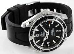 Front view of Seamaster Planet Ocean showing black dial Best Watches For Men, Cheap Watches, Luxury Watches For Men, Cool Watches, Omega Speedmaster Watch, Omega Seamaster Automatic, Omega Planet Ocean, Omega Seamaster Planet Ocean, Mvmt Watches