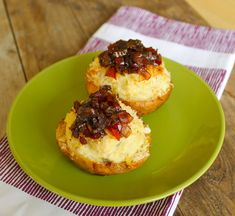 Healthy Jalapeno Popper Potato Skins - roasted cauliflower lightens up calories, not flavor!