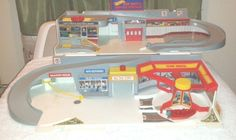 80's Hot Wheels Sto-N-Go Clean Fold out Car Wash & Service Station Playset,No Bx #HotWheels