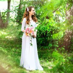Букет «Летние пионы» Bouquet, Wedding Dresses, Fashion, Bride Dresses, Moda, Bridal Gowns, Wedding Dressses, La Mode, Bunch Of Flowers