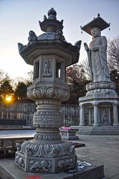 Largest buddha statue in South Korea, Bongeunsa Temple, Seoul (by fidel.2012).