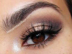 Daytime Smoky Eye using the Urban Decay NAKED 2 palette.
