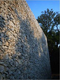 Granite Wall Somerset West, Game Lodge, Beach Road, Architect Design, Granite, Safari, Cottage, Wood, Woodwind Instrument
