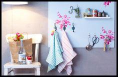 DIY Painel de cozinha - http://www.lerdormircomer.com.br/2013/06/4projetinhosquevaodeixarasuacasaaindamaislinda.html