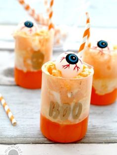Creamsicle Eyeball Punch - Serve up some super easy Halloween fun with this kid and adult friendly drink that can be made quickly and is such a scream