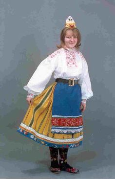 【東欧に胸キュン!】とっても可愛いエストニアの民族衣装と伝統刺繍に縞模様♪ - NAVER まとめ