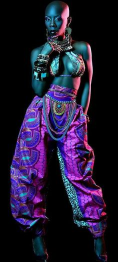 Come on now Africa African culture Grace Jones 2016 Motherland Beauty Unique beauty Bald Bold Mrs Traci YoungByron SupaBlackgirl Dancer Choreographer Added by TheChunkyDi.