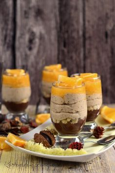 Koskacukor: Gesztenyekrém narancszselével és rumos csokoládéva... Desserts In A Glass, Sweet Desserts, Dessert Recipes, Avocado Recipes, Chia Pudding, Christmas Baking, Soul Food, Nutella, Easy Meals