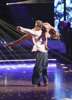 "Best dance of the whole season....Kellie Pickler Crowned New ""Dancing With The Stars"" Champion « Chicago's B96 – 96.3 FM"