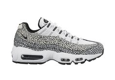 Nike Sportswear is bringing back Safari Print to kick things off right in 2016. The famed precursor to Tinker Hatfield's Elephant Print, the Safari speckling first debuted in 1987 on the Nike Air Safari. We've already received word that a … Continue reading →