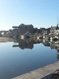 Wells harbour, gorgeous blue sky!