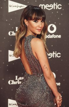 Aitana renueva la pose de Elsa Pataky que más estiliza Elsa Pataky, Hair Streaks, Long Hair With Bangs, Red Hair Color, Girl Inspiration, Hairstyles With Bangs, Sequin Skirt, Short Dresses, Hair Beauty