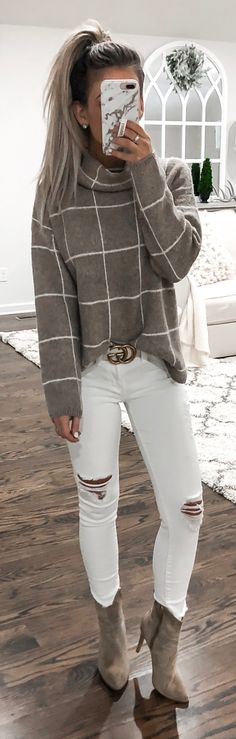 Popular Winter Outfits To Wear ASAP distressed white jeans The post Popular Winter Outfits To Wear ASAP appeared first on Beauty Shares. Mode Outfits, Trendy Outfits, Trendy Fashion, Fashion Outfits, Womens Fashion, Trendy Style, Fashion Hair, Fashion Clothes, Style Fashion