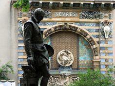 Statue of Bernard Palissy by Louis-Ernest Barrias, square Félix Desruelles, Paris