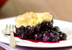 This cast-iron blueberry cobbler would make a wonderful dessert to share with friends! #EasyRecipe