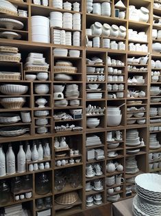 Adding pottery to your home décor is an innovative way of lighting it up and grabbing people's attention. As pottery is so diverse, incorporating it into your interior also offers the perfect oppor… Ceramic Shop, Ceramic Tableware, Ceramic Studio, Ceramic Pottery, Pottery Art, Ceramic Art, Art Studio Design, Candle Store, Pottery Store