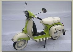 Classic And Custom Vintage Motor Cycle: Classic Vespa scooter from 1972.  Best color ever!