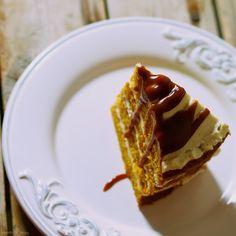 Laskominy od Maryny: Dýňový dort se smetanovým sýrem s pekanovými ořech... Dessert Recipes, Desserts, Waffles, French Toast, Pie, Breakfast, Food, Tailgate Desserts, Torte