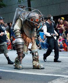 DragonCon 2011 Bioshock Big Daddy