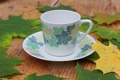 "Arabia ""VAAHTERA"" pattern by Raija Uosikkinen Ceramic Table, Ceramic Cups, Kitchenware, Tableware, Tree Patterns, Scandinavian Design, Finland, Tea Cups, Leaves"