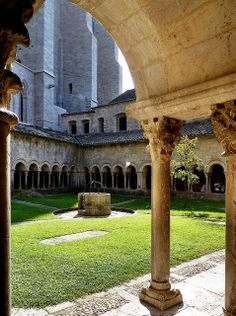 Girona - Cathedral of Saint Mary (Claustre)  Catalonia