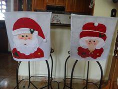 COMO HACER CUBRE SILLAS NAVIDEÑOS CON PATRONES Ideas Para, Christmas Time, Christmas Stockings, Ronald Mcdonald, Polymer Clay, Projects To Try, Holiday Decor, Home Decor, Aurora