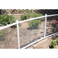 Farmhouse White Pallet Repurpose With Stapled Wire