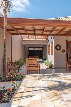 Terrace Garden Design, Backyard Patio Designs, Village House Design, Village Houses, Hacienda Style, Modern Farmhouse Exterior, Pergola Plans, Future House, New Homes