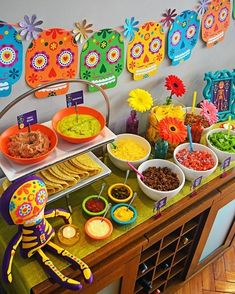 Pin by anabel garcia on monse fiesta мексиканская вечерин Mexican Fiesta Party, Fiesta Theme Party, Taco Party, 25th Birthday, 2nd Birthday Parties, Day Of The Dead Party, Mexican Birthday, Fete Halloween, Deco Table