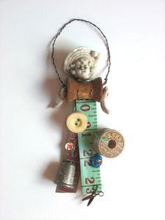 bisque doll ornament ORIGINAL vintage sewing child hat by Elizabeth Rosen Button Art, Button Crafts, Sewing Crafts, Sewing Projects, Diy Crafts, Paper Dolls, Art Dolls, Vintage Sewing Notions, Sewing Dolls