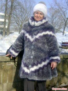 """Короткая шубка из """"травки"""", которую почему-то окружающие называют снегурочкиной одежкой..."""