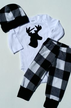 Newborn baby coming home outfit Black plaid deer outfit Baby boy going home set Coming home from hospital outfit Lumberjack outfit for baby Little Boy Fashion, Baby Boy Fashion, Baby Boys, Newborn Coming Home Outfit, Diy Kleidung, Cute Baby Clothes, Black Plaid, Baby Boy Outfits, Cute Babies