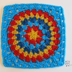 Signed With an Owl: Squaring the Big Circle Tutorial...this is a great pattern for making blankets!