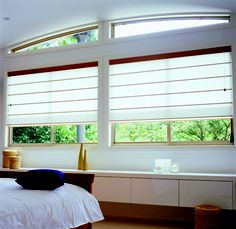 Designed to withstand Australia's harsh conditions, Verosol roman blinds allow the maximum use of your window while protecting you from the sun. Modelled on the traditional beach house aesthetic, these blinds give any living space a more relaxed feel. Blinds For Sale, Blinds For Windows, Curtains With Blinds, Beautiful Blinds, Shutter Blinds, Custom Blinds, Outdoor Blinds, Interior Shutters, Roman Blinds