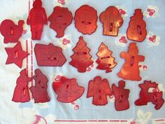 Vintage Holiday Christmas Cookie Cutters-love to have friends young daughters over for Christmas baking!