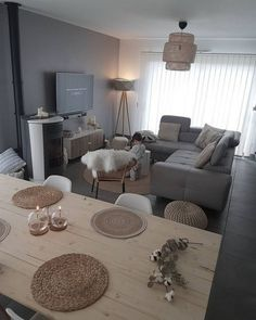 38 Grey Small Living Room Apartment Designs to Look Amazing #livingroomdecor #livingroomapartment #livingroomdesign ⋆ newport-international-group.com