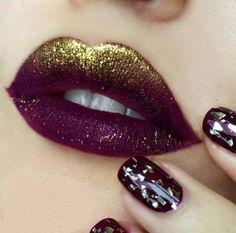 Labios color guinda con glitter en color dorado Make Com Glitter, Top Coat, My Beauty, Lip Colors, Lipstick, Skin Care, Makeup, Fortune Cookie, Hair