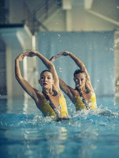 Olivia Federici and Katie Clark - Synchronised Swimming Keep Swimming, Girls Swimming, Rio Olympics 2016, Summer Olympics, Ballet, Canoe Slalom, Professional Swimmers, Swimming Pictures, Synchronized Swimming