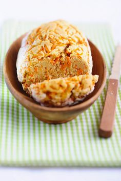 Mandel-Karotten-Brot | http://eatsmarter.de/rezepte/mandel-karotten-brot